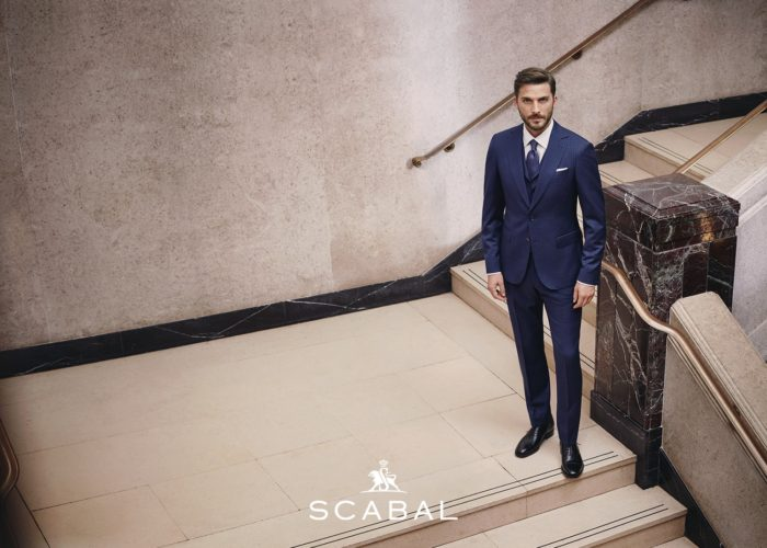 La mythique Maison Scabal : Costumes sur mesure et tissus de luxe.