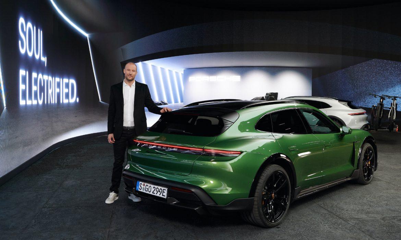 Porsche présente le Taycan Cross Turismo
